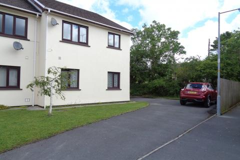 2 bedroom flat to rent - 16 Park Avenue, Kilgetty. SA68 0UB