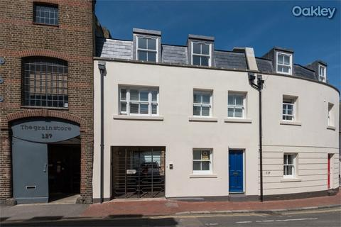 3 bedroom terraced house for sale - Gloucester Road, Central Brighton, East Sussex