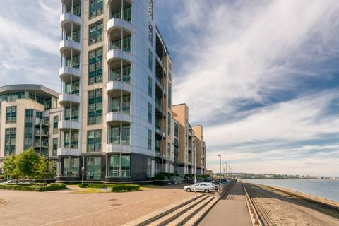 2 bedroom duplex for sale - 3/2 Western Harbour Breakwater, Newhaven, EH6 6PA