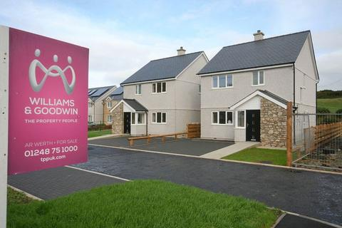 3 bedroom detached house for sale - Bull Bay Road, Amlwch