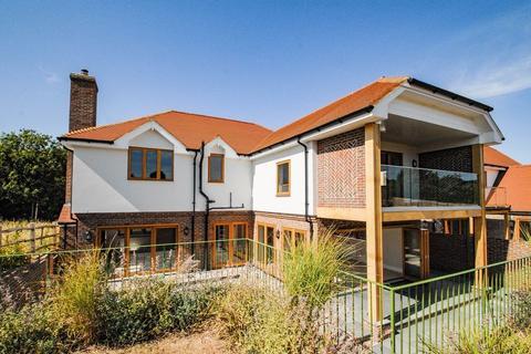 4 Bedroom Detached House For Sale Wellgreen Lane Kingston