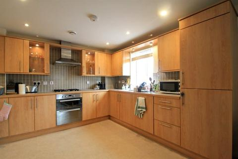 2 bedroom flat to rent - Ffordd James McGhan, Ferry Road, Cardiff Bay