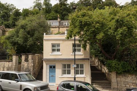 2 bedroom detached house to rent - Upper Camden Place