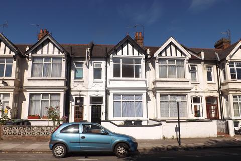 4 bedroom terraced house to rent - Boreham Road, Turnpike Lane, London, N22