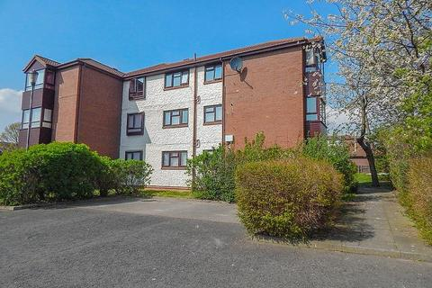 1 bedroom flat - King Charles Court, Downhill