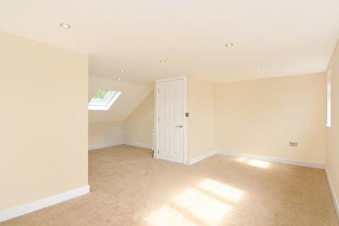 3 bedroom flat for sale - Horn Lane, Acton, London, W3