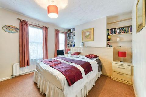 2 bedroom terraced house for sale - Winterbourne Road, Thornton Heath, CR7