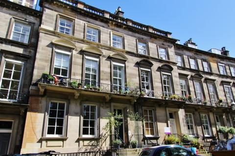 3 bedroom flat to rent - Clarendon Crescent, West End, Edinburgh, EH4 1PT