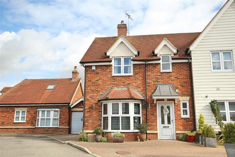 3 bedroom semi-detached house for sale - Gilmore Place, Great Baddow, CHELMSFORD, Essex