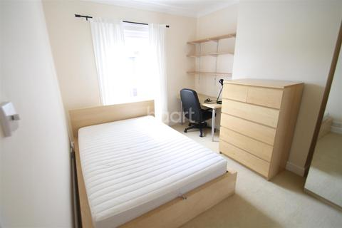 1 bedroom house share to rent - Newmarket Street, Golden Triangle