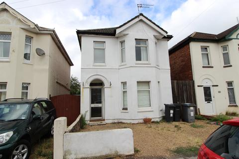 4 bedroom house to rent - Capstone Road, Charminster,