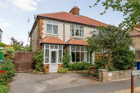 3 bedroom semi-detached house for sale - Leys Avenue, Cambridge, CB4