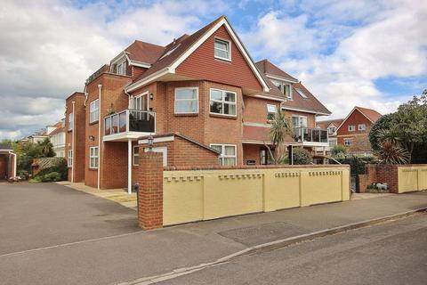 3 bedroom flat for sale - Grand Avenue, Southbourne, Bournemouth