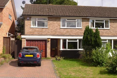 3 bedroom semi-detached house for sale - Wilson Close, Hildenborough, Tonbridge