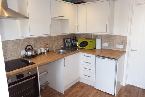 1 bedroom flat to rent - Fore Street, Pool, TR15