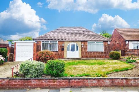 3 bedroom detached bungalow for sale - Elleray Road, Alkrington, Middleton, Manchester, M24