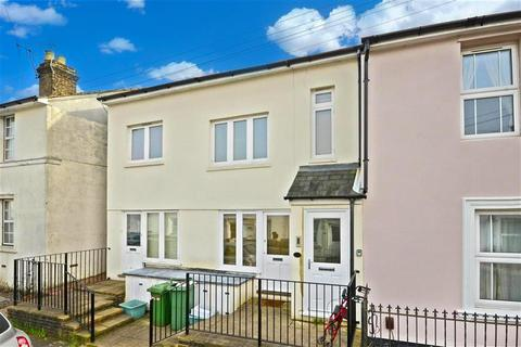 Houses for sale in central tunbridge wells latest property onthemarket for One bedroom apartments in norman