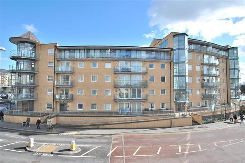 1 bedroom apartment to rent - Berberis House, Feltham