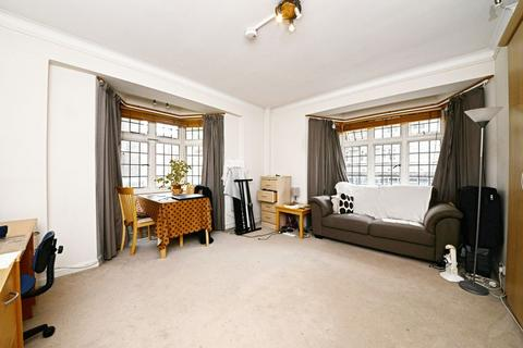 Studio to rent - Clare Court, Judd Street, London WC1H