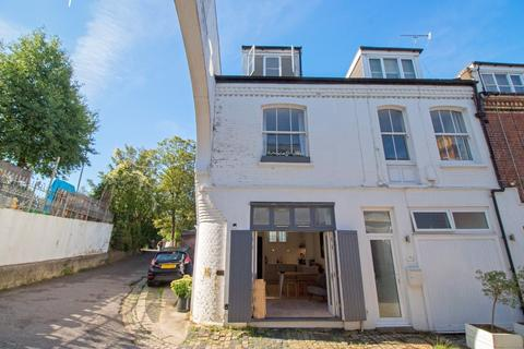 3 bedroom mews for sale - Eaton Grove, Hove