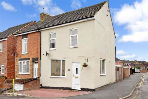 3 bedroom semi-detached house for sale - Recreation Avenue, Snodland, Kent