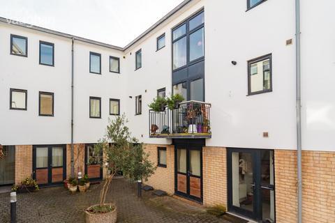 3 bedroom house to rent - Castle Mews, Brighton, BN1