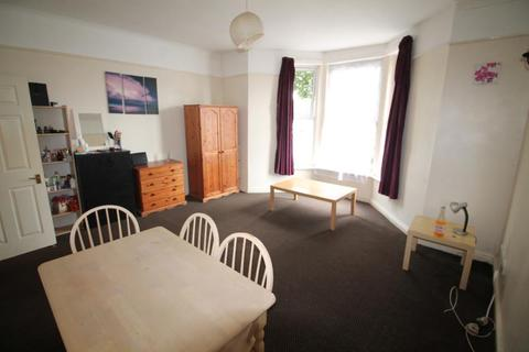 2 bedroom apartment to rent - George Court, Roath - Cardiff