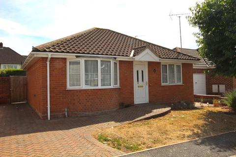 2 bedroom detached bungalow for sale - Hearsall Avenue, Broomfield, Chelmsford, Essex, CM1