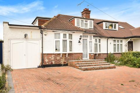 3 bedroom bungalow for sale - Northwood, Middlesex, HA6