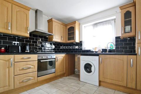 3 bedroom flat for sale - Rosebank Gardens, Bow E3