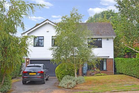 5 bedroom detached house for sale - Park Farm Road, Bickley, Kent, BR1