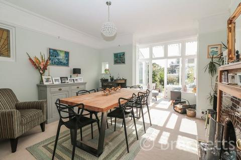 5 bedroom semi-detached house for sale - Culverden Avenue, Tunbridge Wells