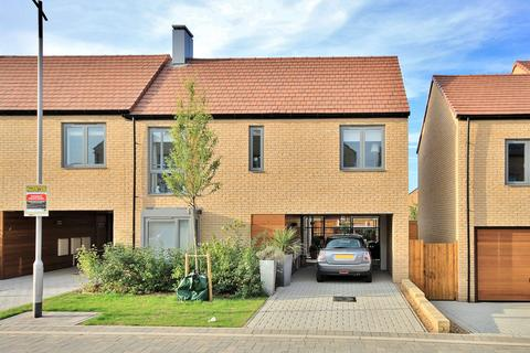 3 bedroom semi-detached house for sale - Charger Road, Trumpington