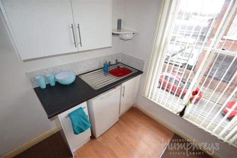 1 bedroom apartment to rent - Harecastle Flats, Liverpool Road