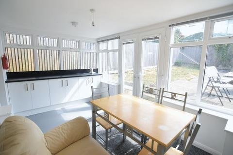 1 bedroom house share to rent - The Crossway, Brighton