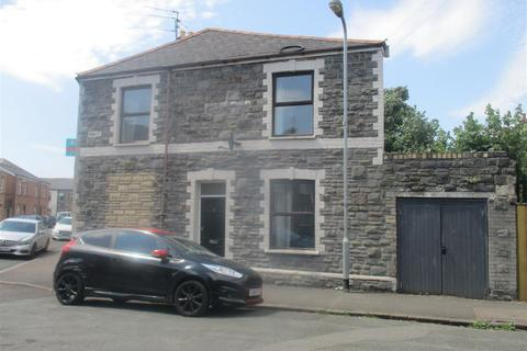 3 bedroom end of terrace house to rent - Diamond Street, Cardiff