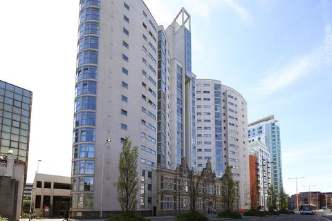 3 bedroom flat to rent - Altolusso, City Centre