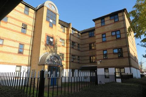 1 bedroom ground floor flat to rent - Windsock Close, Surrey Quays