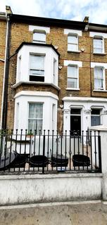 2 bedroom flat to rent - Wood Lane