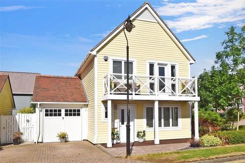 3 bedroom detached house for sale - Alisander Close, Holborough Lakes, Kent