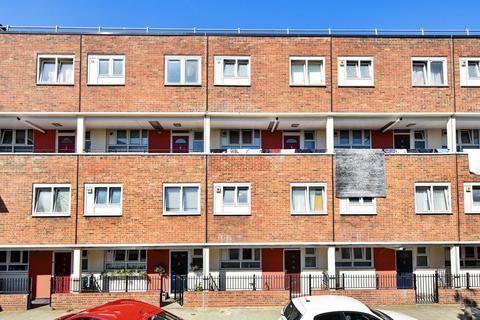 3 bedroom flat for sale - Kender Street, New Cross