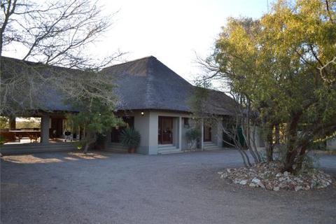 5 bedroom detached house  - Magnificent Lodge Home, Zebula Golf Estate and Spa, Bela-Bela
