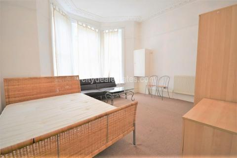 Studio to rent - Fordwych Road, NW2 3TL