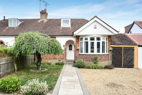 2 bedroom bungalow for sale - Briarwood Drive, Northwood, Middlesex, HA6