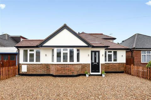 4 bedroom bungalow for sale - Herlwyn Avenue, Ruislip, Middlesex, HA4