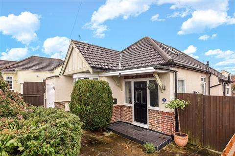 3 bedroom bungalow for sale - Fairfield Avenue, Ruislip, Middlesex, HA4