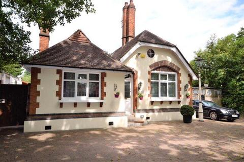 4 bedroom bungalow for sale - Brookshill, Stanmore, HA3