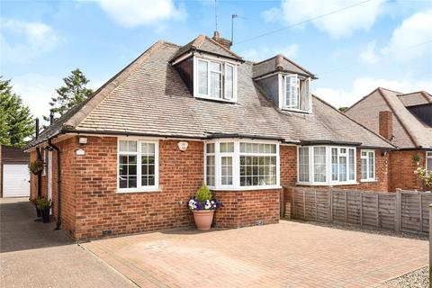 2 bedroom bungalow for sale - Chartley Avenue, Stanmore, Middlesex, HA7