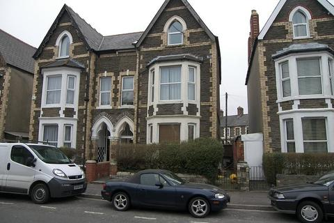 Studio to rent - Wyndham Crescent (Flat 1), Cardiff