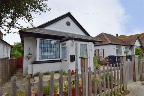 2 bedroom detached bungalow for sale - Glenbervie Drive, Beltinge, Herne Bay